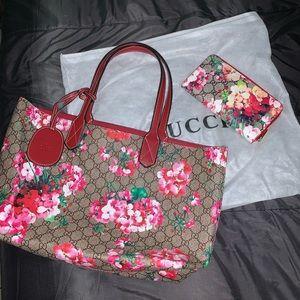 Gucci Floral w/ Wallet